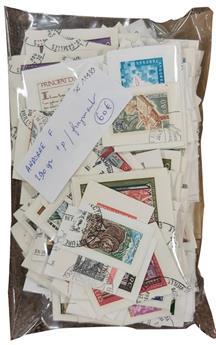 ANDORRE FRANCAIS : 290 gr de timbres sur fragment